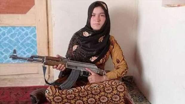 Девочка-подросток перестреляла боевиков, убивших её родителей (2 фото + 1 видео)