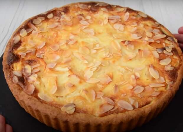 Вкуснейший пирог с яблоками в сметанной заливке