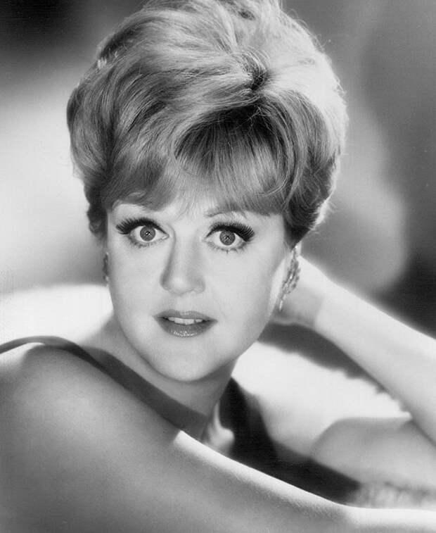 Анджела Лэнсбери в 1966 году