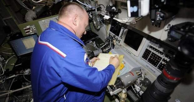 Миф о карандаше, или Чем писали на орбите советские космонавты