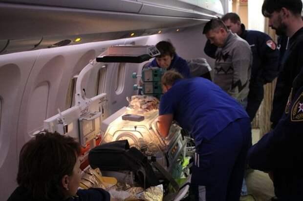 Самолет с пострадавшими в результате стрельбы в Казани сел в Жуковском