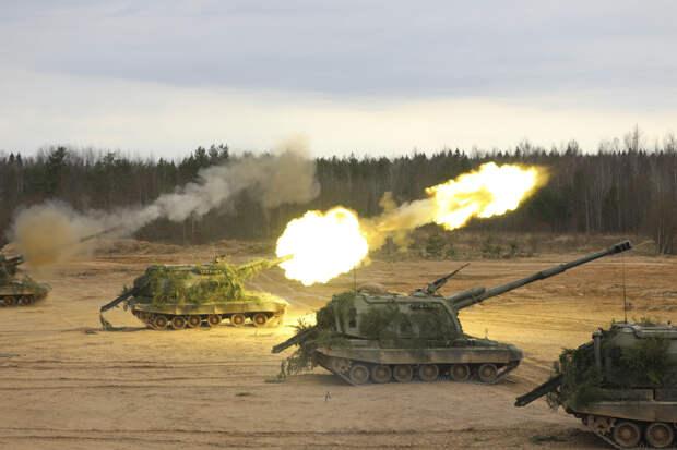В Нижегородской области артиллеристы ЗВО уничтожили условного противника шквальным огнем из самоходных гаубиц «Мста-С»