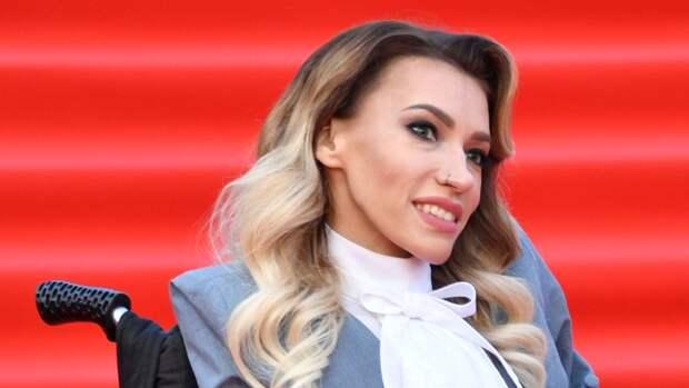 Хейтеры грозили облить кислотой певицу Юлию Самойлову