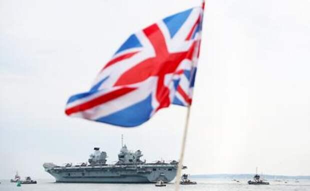 На фото:  авианосец «Queen Elizabeth»