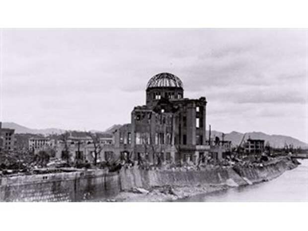 Разрушения в Токио после американской бомбардировки были сильнее, чем в Хиросиме и Нагасаки