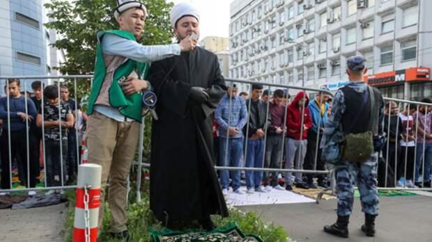 Медведев наконец озвучил официальную позицию по поводу предоставления работы мигрантам