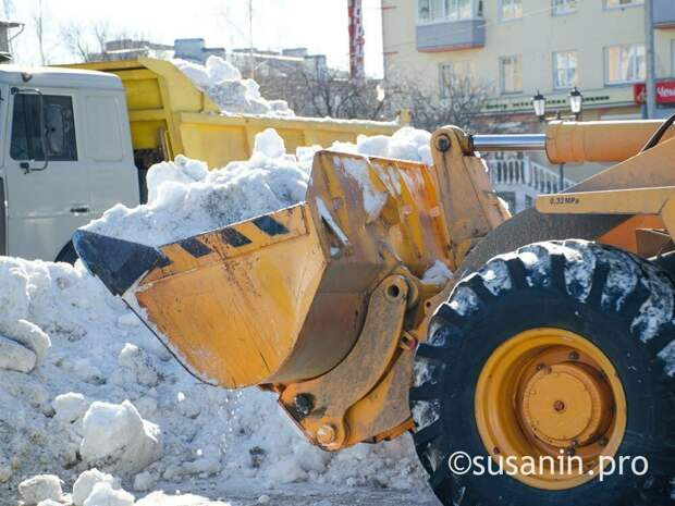 МВД по Удмуртии опровергло сообщения о ворующем снег трактористе