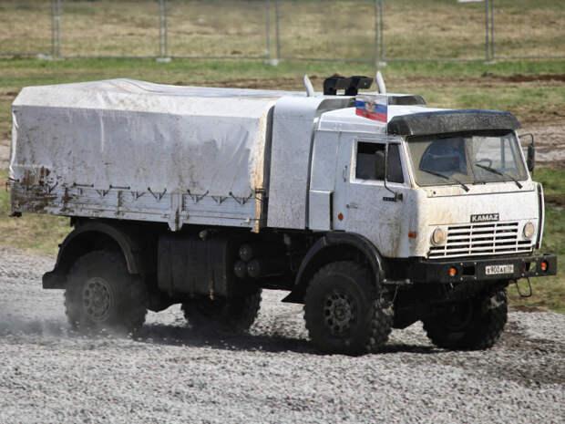 Суровый гоночный КАМАЗ-4911 стал еще и серийной моделью. |Фото: wheelsage.org.