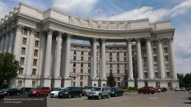 МИД Украины удивил патриотов: защитить Донбасс и Крым от коронавируса потребовал от России