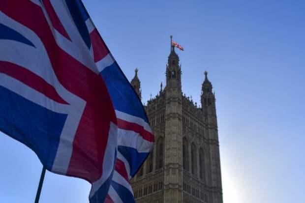 «Держи вора»: британские власти выбрали «удобное время» для новых обвинений против России