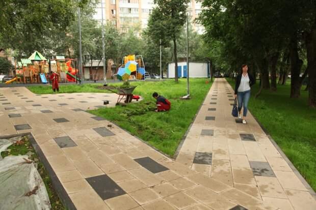 Детскую площадку на улице Героев Панфиловцев обновят до 25 августа