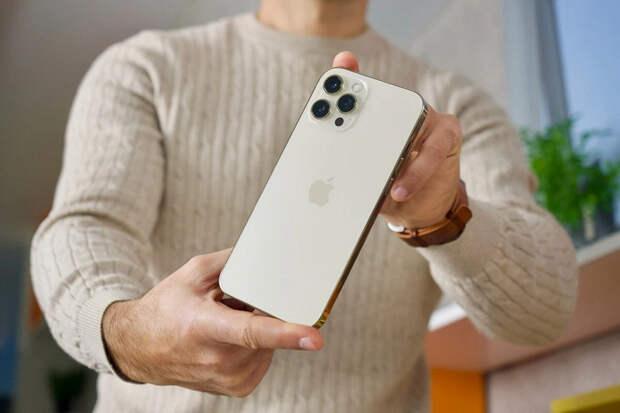 У всех моделей iPhone 12 явные и серьёзные проблемы с автономностью в играх. Она катастрофически низкая