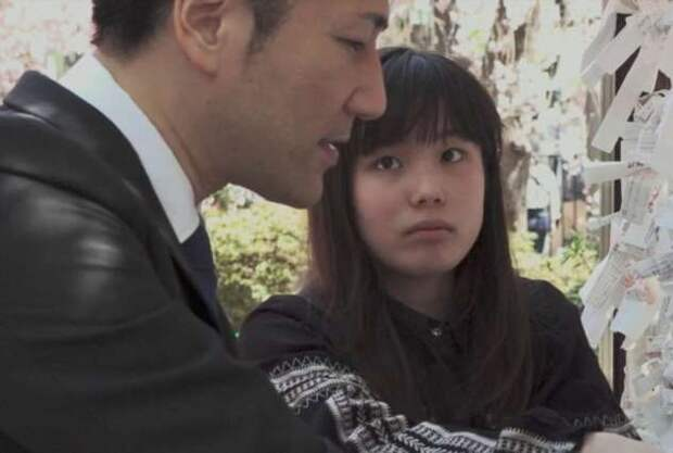 В Японии есть услуга по аренде людей, и мы узнали, кого там можно взять напрокат и зачем