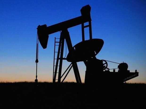 Нефть побила рекорд после взрыва в Бейруте: что будет с рублем