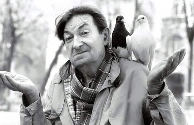 В последние годы жизни актёра окружали птицы, собаки, кошки
