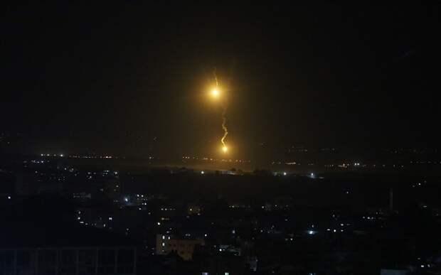 Израиль наносит удар по Палестине в ответ на ракетный обстрел