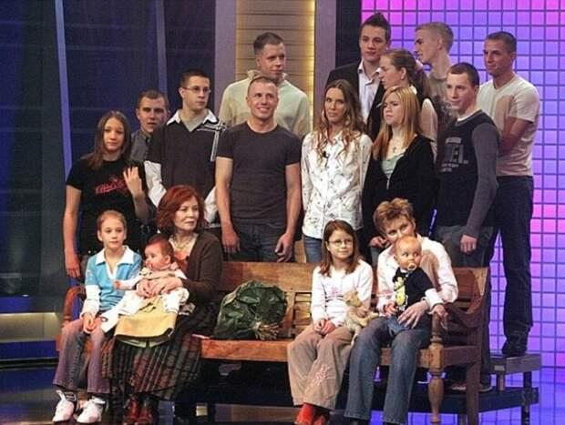 Большая семья Аннегрет. Фото: Getty