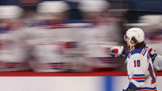 Панарин сравнялся с Каменским по результативным передачам в НХЛ