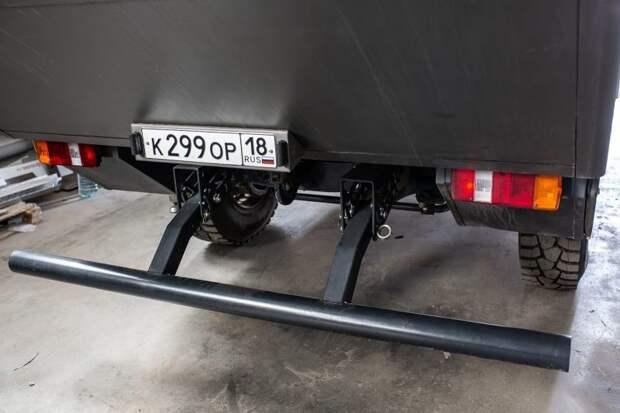 Интересная конструкция заднего бампера. авто, внедорожник, газ, газ-66, грузовик, дом на колесах, кемпер, обзор