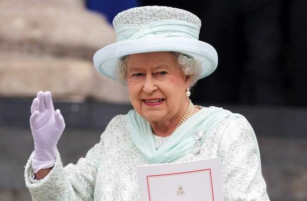 В свой день рождения, Елизавета II прервала молчание и обратилась к народу