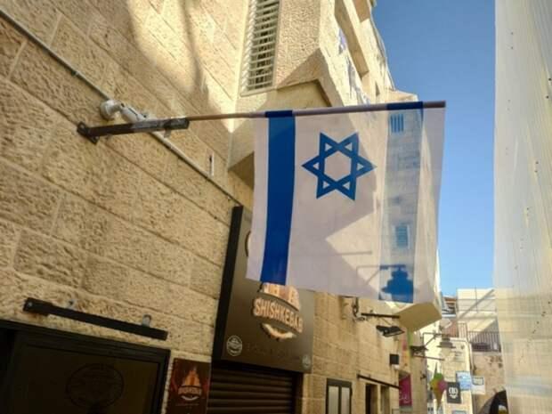 Премьер Израиля заявил о новой вспышке COVID-19 в стране
