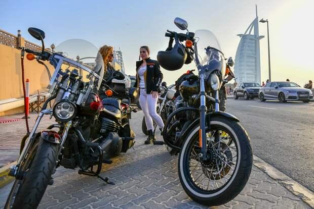 12 фото крутых женщин-байкеров на Ближнем Востоке