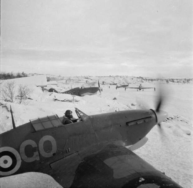 Как британская авиация воевала в СССР