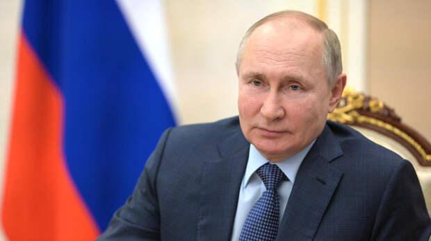 Путин поздравил российских фигуристов с победой на командном ЧМ