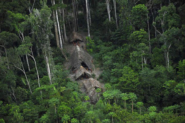 В 1880 г. экспедиция во главе с М. В. Портманом в джунглях нашли хижины местных жителей / Фото: nk.org.ua