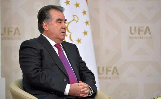 Главы Киргизии и Таджикистана обсудили прекращение огня на границе