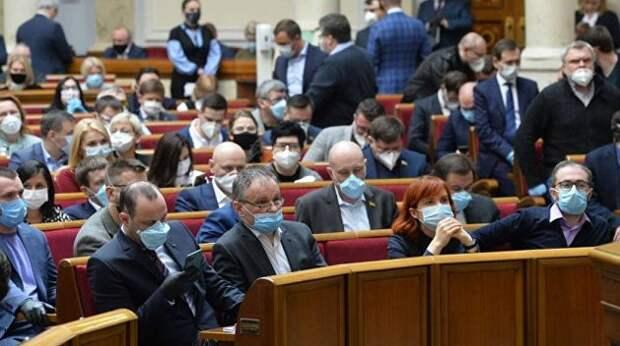 Парламент Украины внеочередной раз собирается, чтобы воевать. Но без Саакашвили