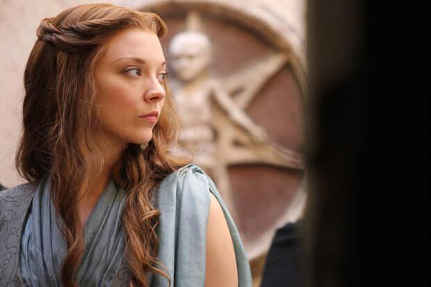 Актриса из «Игры престолов» утаила рождение дочери