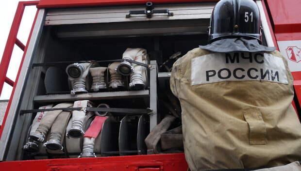 Возгорание травы потушили на склоне у горнолыжной базы в Подольске