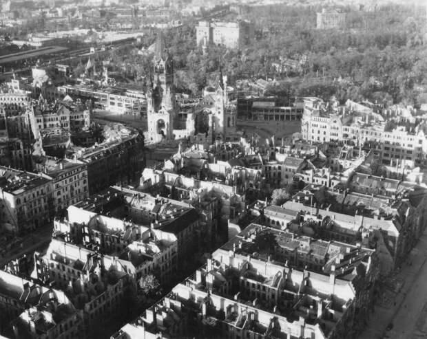 669 Послевоенный Берлин с высоты птичьего полета