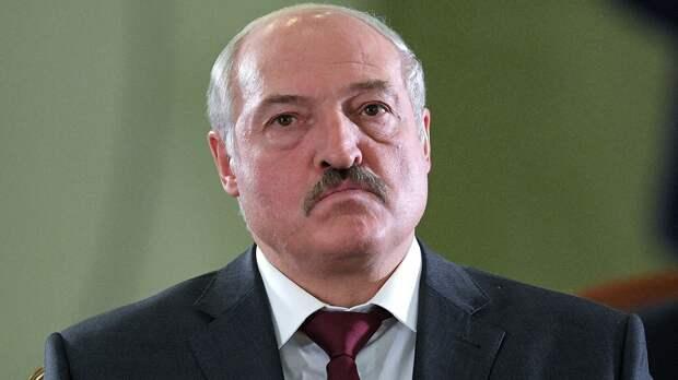 Лукашенко ответил на слова Зеленского об обращении к нему без должности