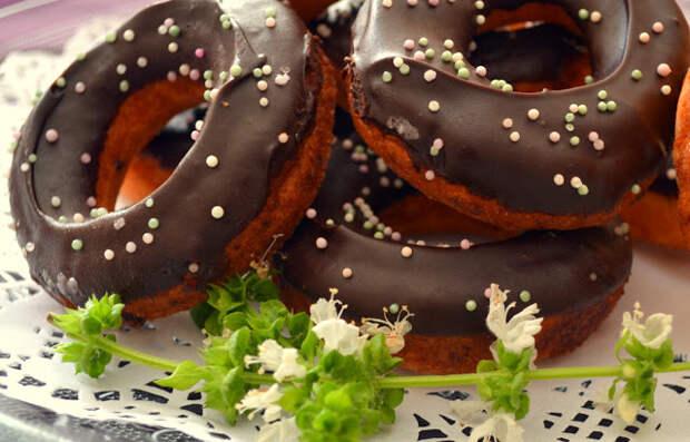 Пончики на праздник и на каждый день. 4 лучших рецепта