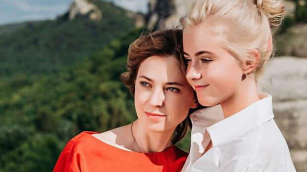 Лучше места нет: Поклонская впервые показала, как проводит время с дочерью в Крыму