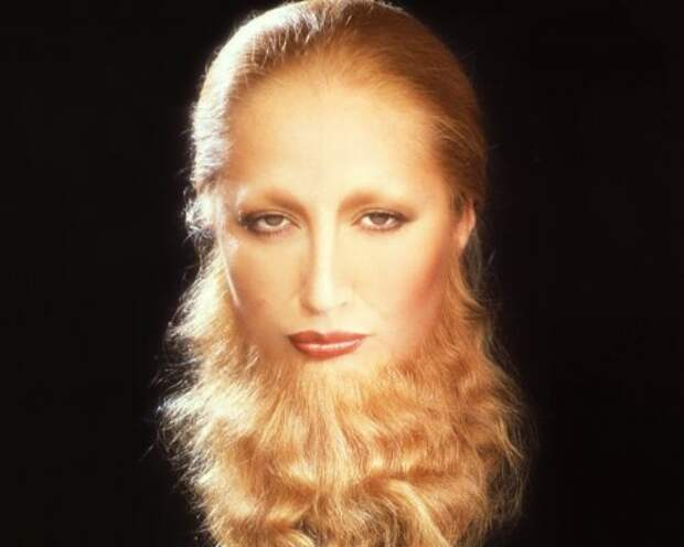 Vogue Italy разместил на обложке бородатую модель
