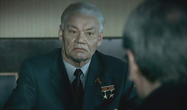 Герои и просто хорошие люди в исполнении истинно советского актера Афанасия Кочеткова.