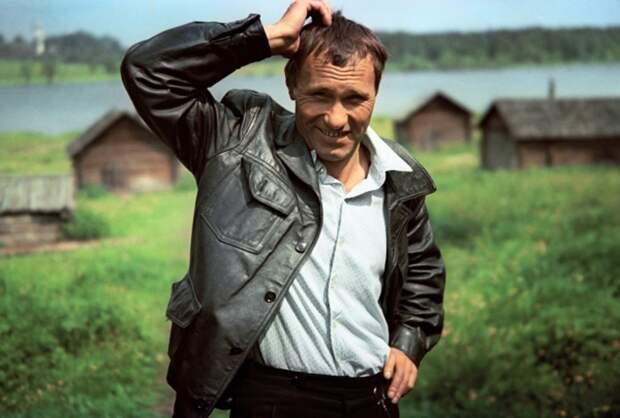 25 июля 1929 года родился Василий Шукшин
