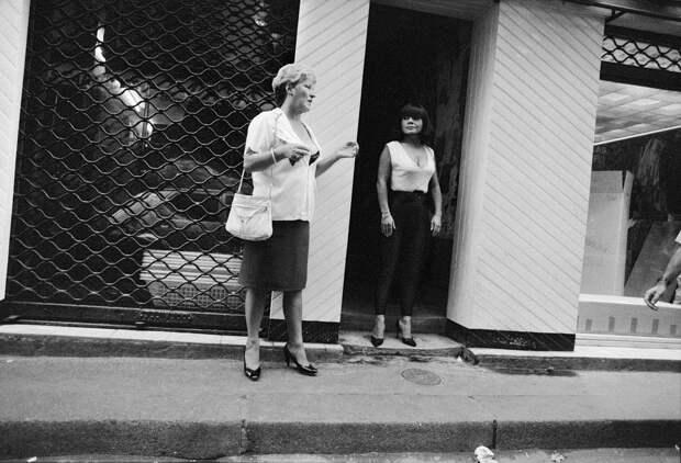 Труженицы секс-индустрии с улицы Сен-Дени. Фотограф Массимо Сормонта 62