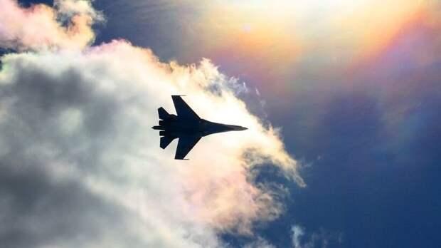 Аналитик NI раскрыл причину мирового успеха истребителя Су-27
