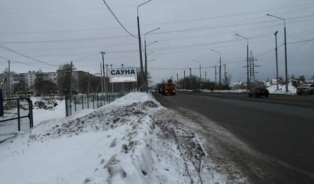 Губернатор Оренбуржья Денис Паслер пообещал жителям поселка Весенний новый тротуар