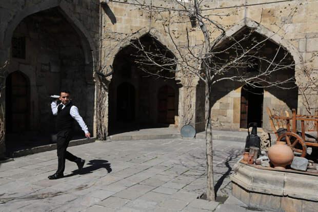 Город Баку: беж, белье ибозбаш