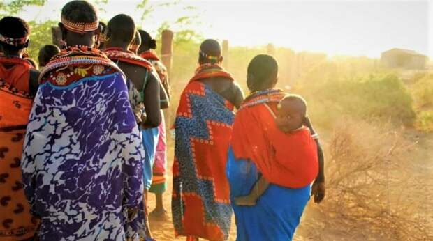 Женщины ушли из племени в неизвестность. Фото https://vk.cc/c0V4jB