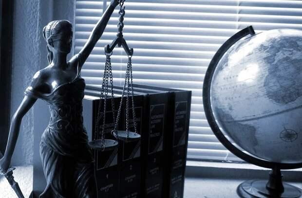 В Новороссийске адвокат пытался обмануть подзащитного