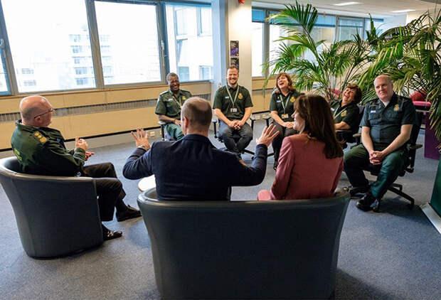 Кейт Миддлтон и принц Уильям посетили лондонский центр скорой помощи