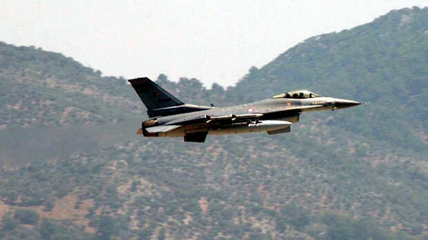 Турецкие истребители F-16 начали охоту на российские МиГ-29 в Ливии