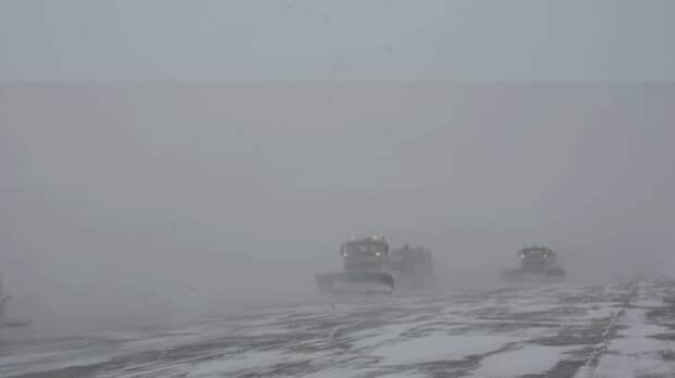 Как справлялся аэропорт «Симферополь» с сильным снегопадом 17 января