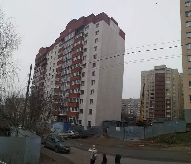 Завершение работ на долгострое в Ижевске, взрыв в лаборатории Обнинска и выход в лидеры по просмотрам клипа группы Little Big: что произошло минувшей ночью